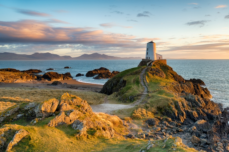 Ynys Lighthouse